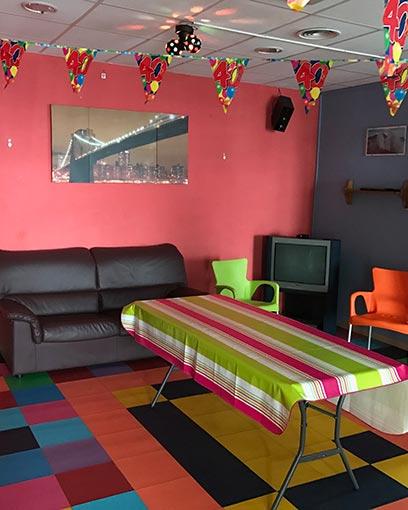 Zona discoteca i sala d'estar